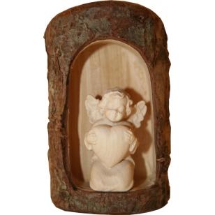 Dřevěná socha anděl Diana...