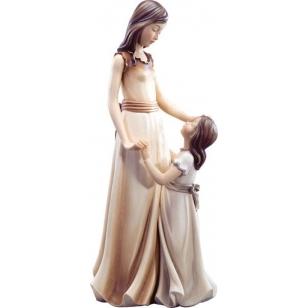 Socha žena s holčičkou